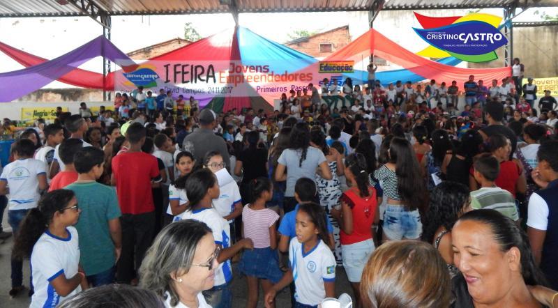 Sec. de Educação de Cristino Castro-PI, realizou a I Feira do Jovem Empreendedor