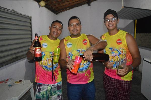 Bloco Kai Pra K, promoveu Churrasco e Cerveja para seus foliões