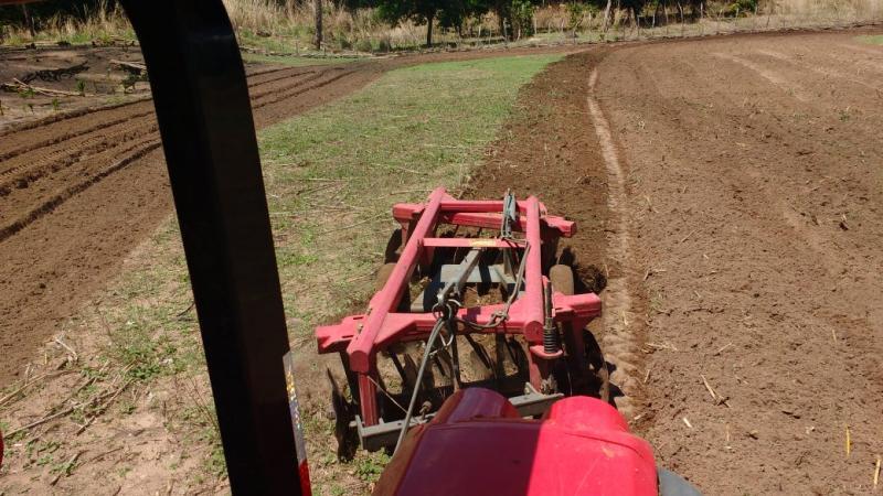 Prefeitura de Amarante disponibiliza aração gratuita de terras a produtores rurais