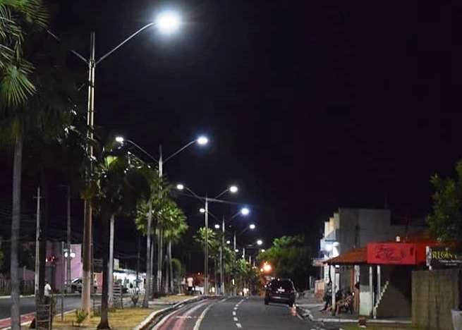 Orla do Açude e Avenida Santo Antônio recebem a nova iluminação de LED
