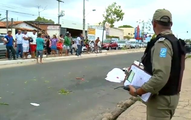 Motociclista morre esmagado por carreta em Teresina
