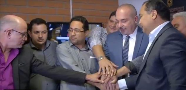 Evaldo Gomes assina ficha de filiação ao Solidariedade