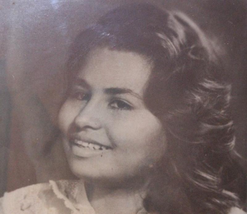 Minha Mãe Josefa Monteiro, aos 18 anos. Mulher Plural, mãe, trabalhadora, exemplo de superação nos tempos em que tudo era mais complicado para uma MULHER só. Em nome dela homenageio todas as mulheres do universo.
