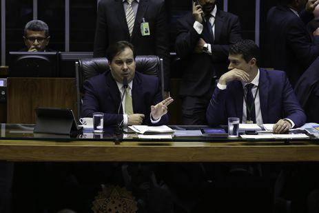 Rodrigo Maia preside sessão da Câmara. - Fabio Rodrigues Pozzebom/Agência Brasil