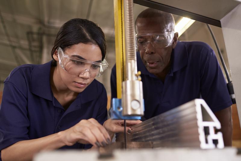 Pesquisa mostra que mulher ganha menos em todas as ocupações