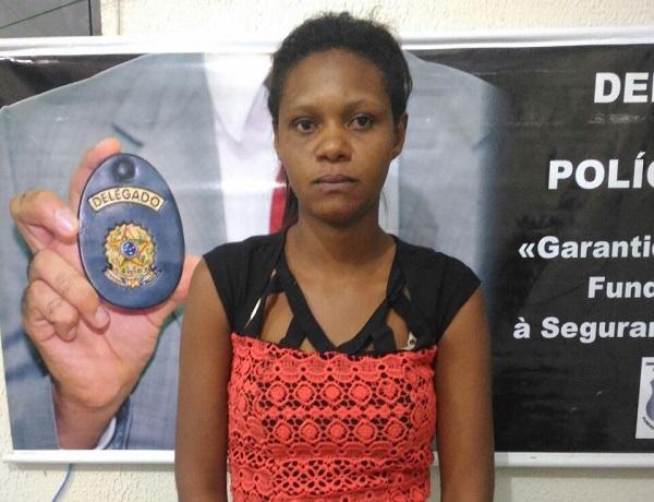 Mulher é presa em São Pedro do Piauí acusada de tráfico de drogas e porte ilegal de armas