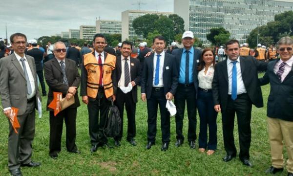 Prefeito Aurélio Sá participou da mobilização nacional de prefeitos em Brasília
