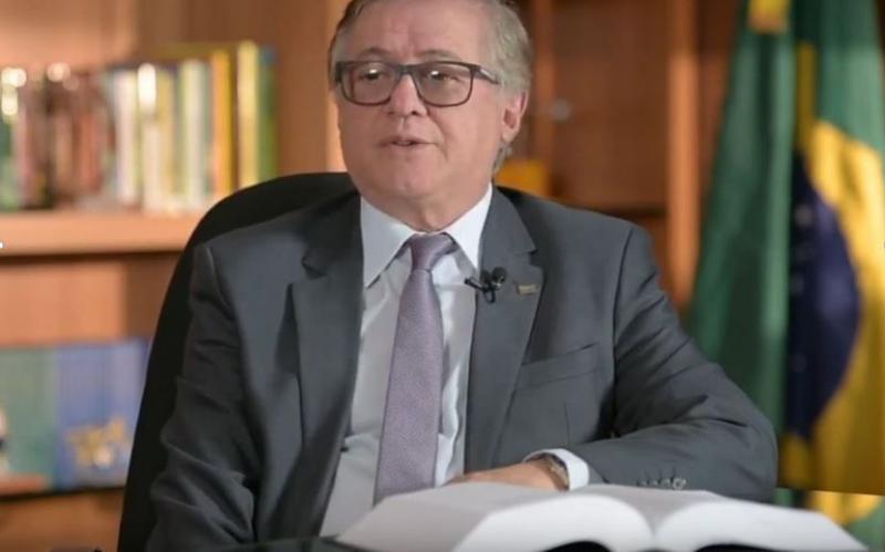 Demissões no MEC:Governo federal exonera chefe de gabinete, secretário...