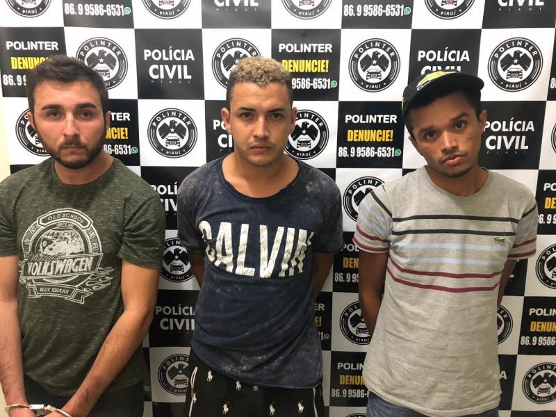 Polinter prende quatro e apreende veículos roubados em Teresina