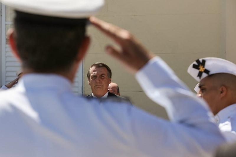 Militares entregam a Guedes proposta de reforma
