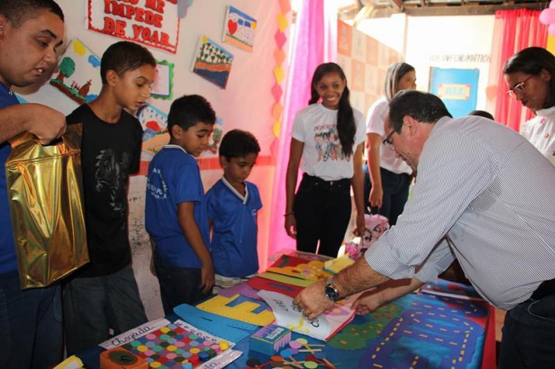 Prefeitura de Nazária realizou feira de atendimento educacional especializado