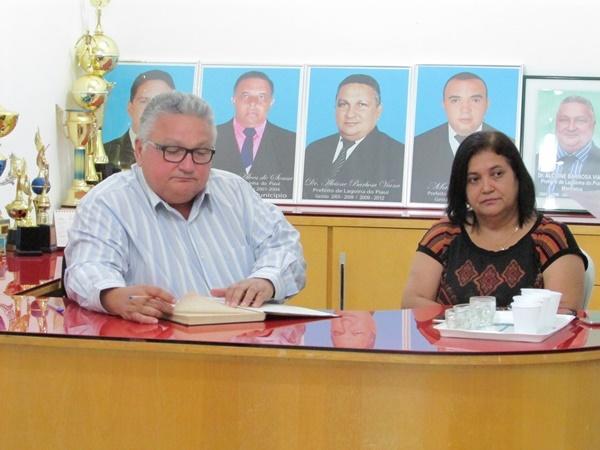 Prefeito Dr. Alcione reúne secretários, vereadores na tarde de quinta-feira