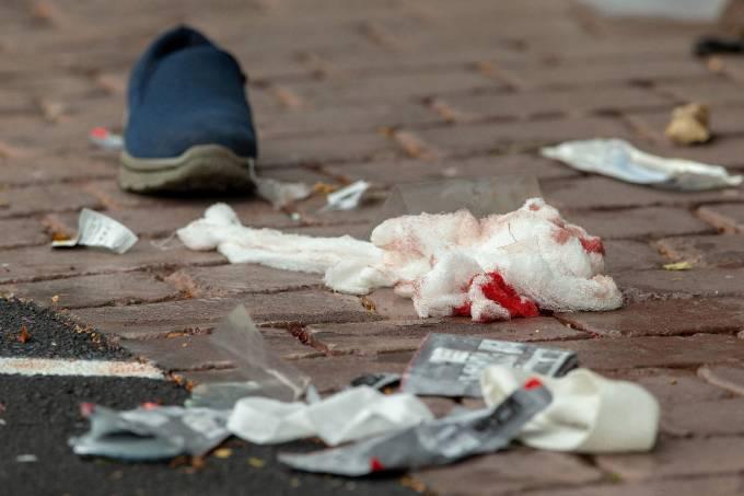 Acusado de massacre na Nova Zelândia, se apresenta ao tribunal