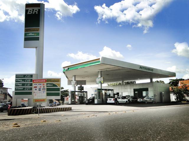 Postos flagrados adulterando combustível vão perder inscrição estadual
