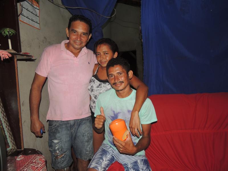 Vereador Geroncin prestigia aniversário de amiga Leidiane em sua residência