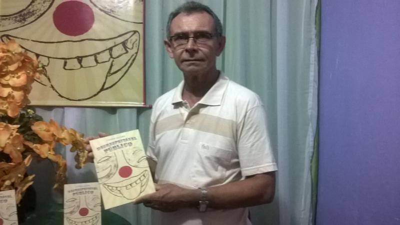 """ALERP realiza lançamento do livro """"Desrespeitável Público"""" de Luís Egito"""