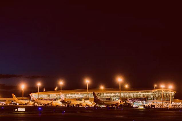 Avião da Azul faz pouso de emergência no Aeroporto de Brasília