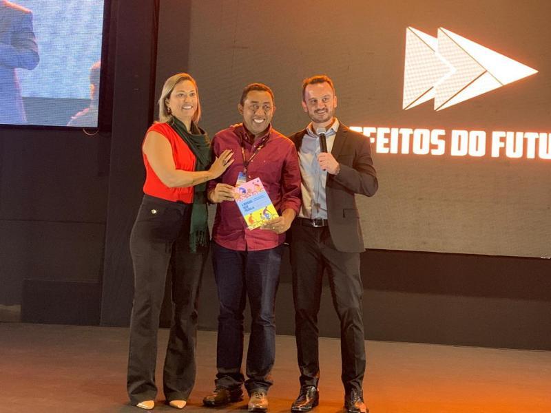 Joel Rodrigues recebe reconhecimento em Brasília