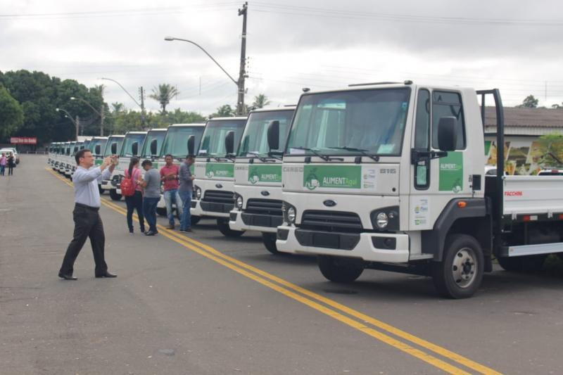 SDR faz entrega de caminhões para agricultura do estado em Teresina