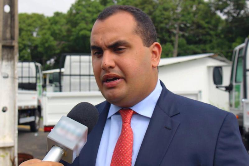 Deputado Geogiano participa de entrega de caminhões na Expoapi