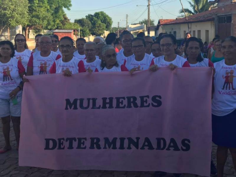 Prefeitura realiza caminhada pelo fim da Violência Contra a Mulher