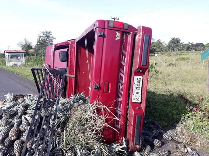 Três veículos se envolvem em acidente na PI 113 entre Barras e Cabeceiras