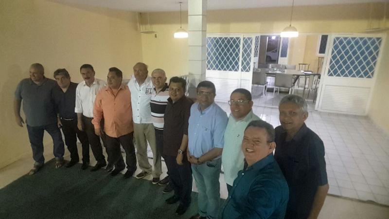 Partidos se reúnem para possível chapa nas eleições de 2018