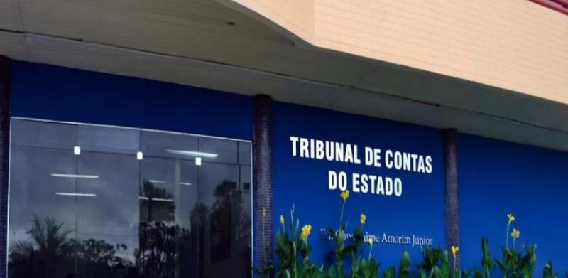 Prefeito de Manoel Emídio é denunciado por contratar empresas sem licitação