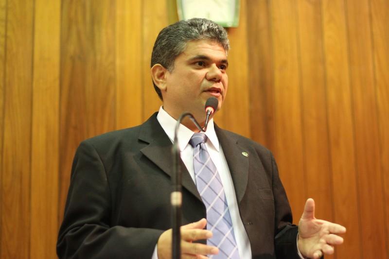 Deputado reitera pedido de denúncia contra prefeitura de Regeneração