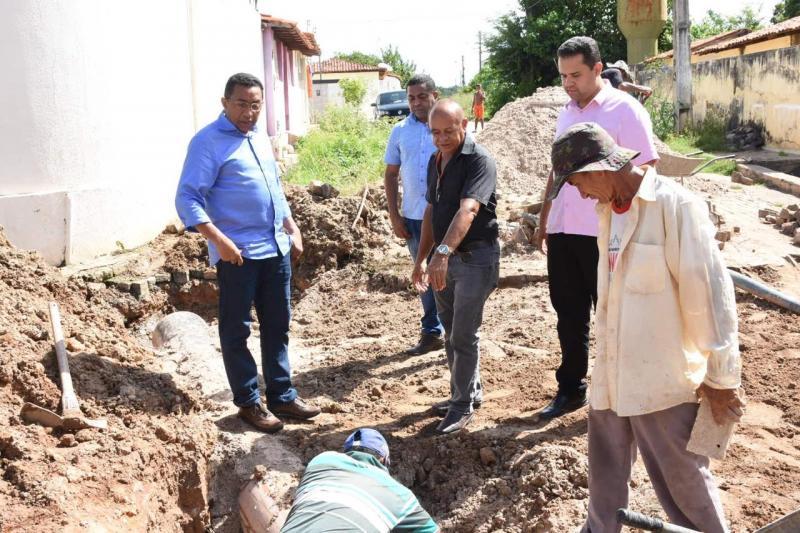 Obras de canalização no bairro Bom Lugar seguem aceleradas