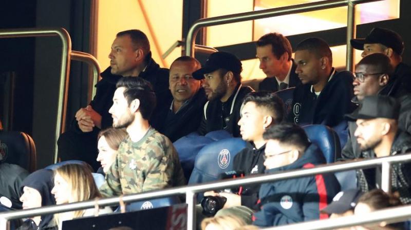 Neymar sai inconformado após eliminação do Paris Saint-Germain