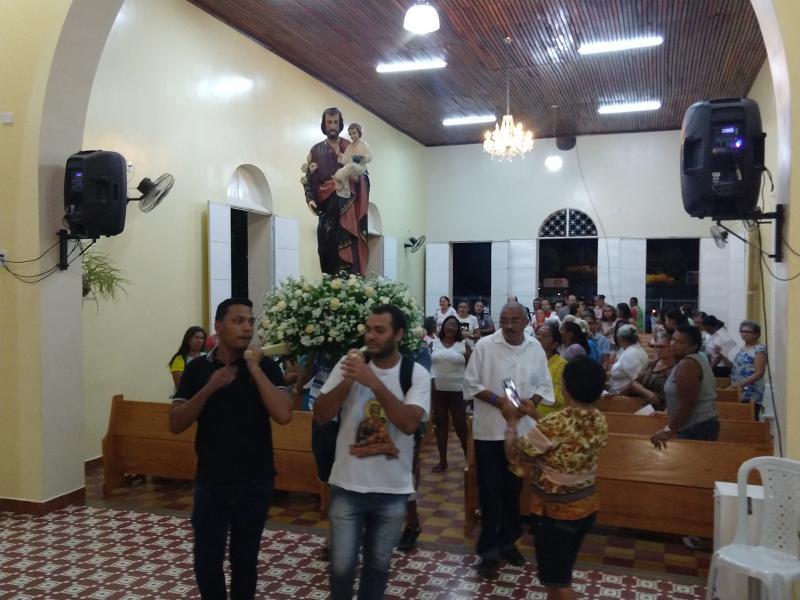 Procissão marca encerramento dos festejos de São José