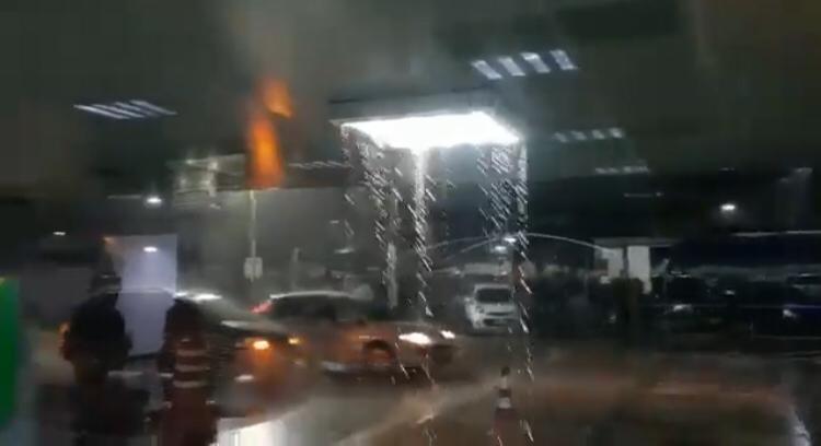 Chuva causa transtornos a passageiros no aeroporto de Teresina