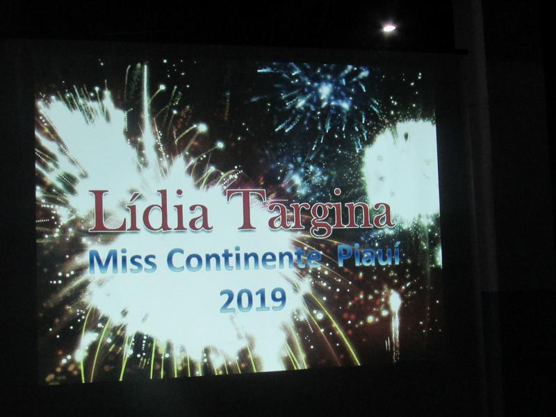Miss Continente Piauí é recebida com festa em sua Cidade Natal