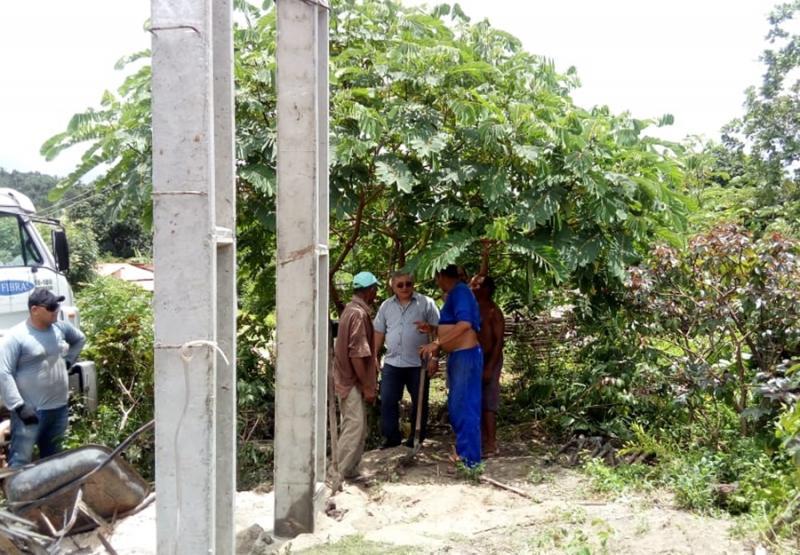 Instalação de caixa d'água beneficia mais de 20 famílias a zona rural