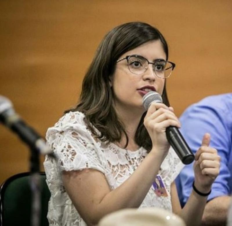 Deputada cobra projetos de Ministro Ricardo Vélez em plenário