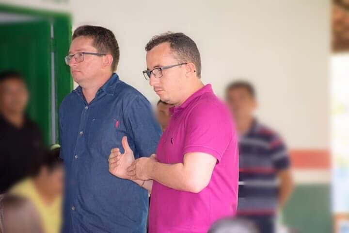 Por falta de pagamento, ônibus escolar fica sem circular no norte do Piauí
