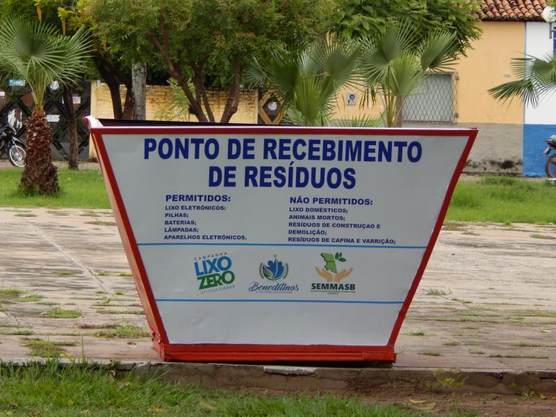 Secretaria recicla depósitos para resíduos