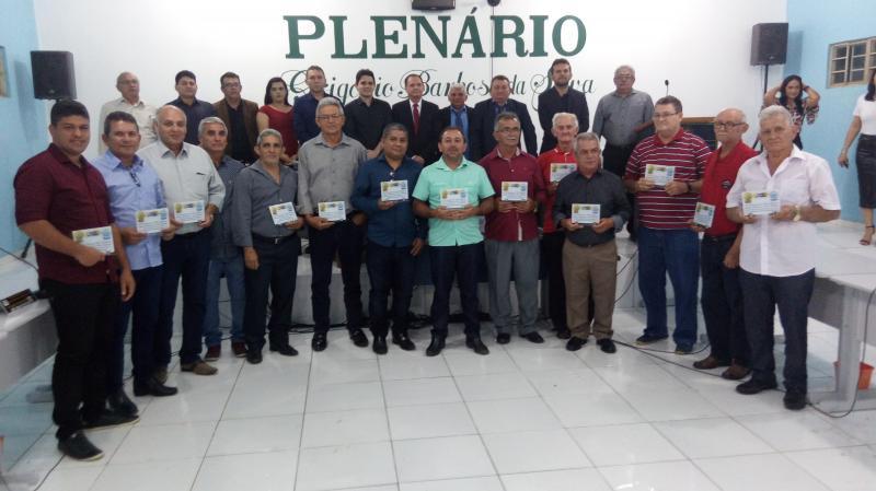 São Gonçalo do Piauí | Câmara Municipal homenageia ex-vereadores