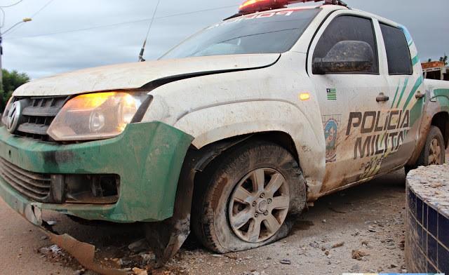 Policiais sofrem acidente após pneu da viatura estourar no PI