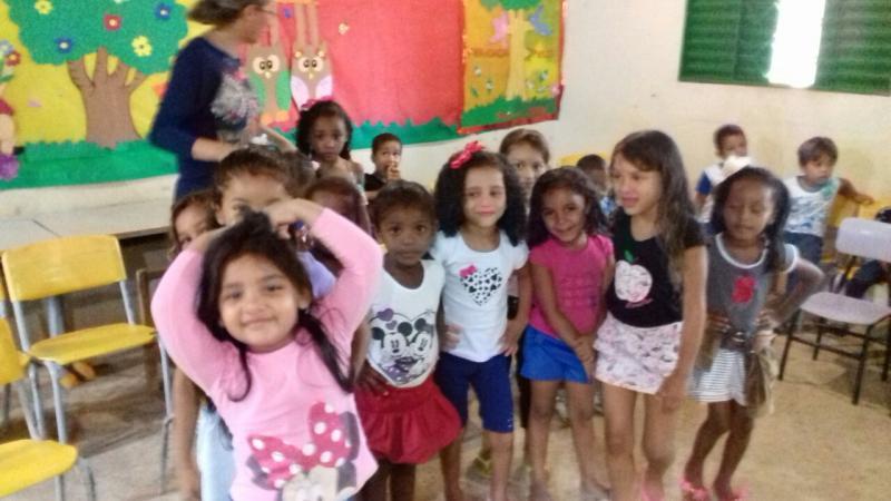 Crianças da Creche Escola Pequeno Príncipe.