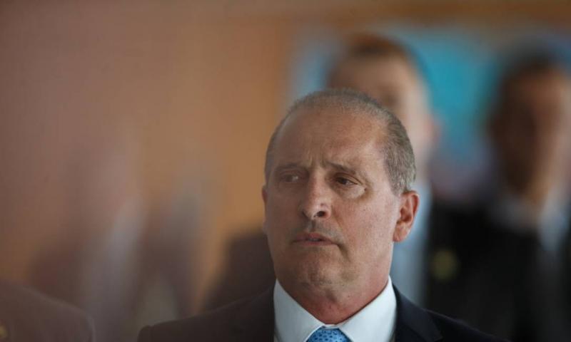 Onyx diz que Bolsonaro se reunirá com partidos para 'abrir as portas'