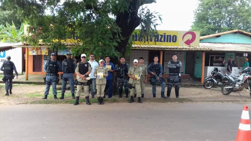 Blitz coíbe  clandestino de passageiros em Pinheiro