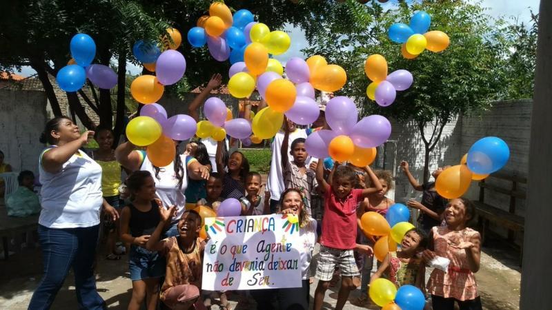 Organizadores de projeto social reúnem famílias em São João do Arraial