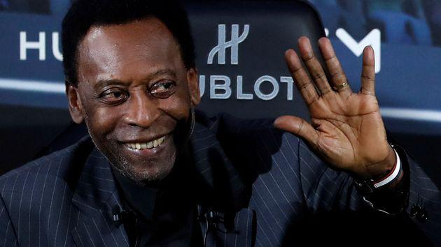 Pelé recebe alta e se diz pronto para voltar ao Brasil