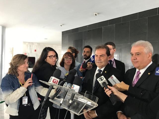Bolsonaro volta a receber dirigentes partidários para discutir reforma...
