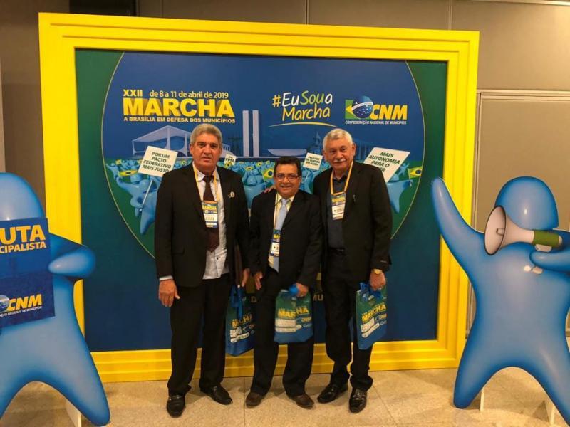 Prefeito Manoel Lázaro participa da Marcha dos Prefeitos em Brasília
