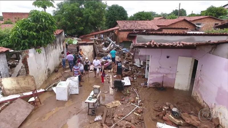 Projeto aumenta ajuda financeira a desabrigados em Teresina