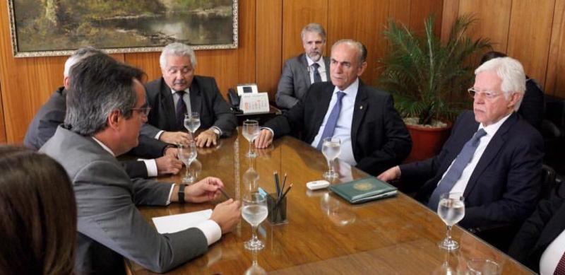 Bancada do Piauí se reúne com Moreira Franco para pedir liberação de empréstimo