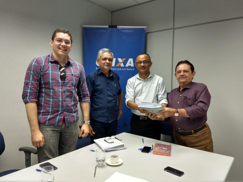 Dr. Wagner Coelho entrega projeto para o Programa Avançar Cidades